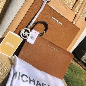 Michael kors tote set